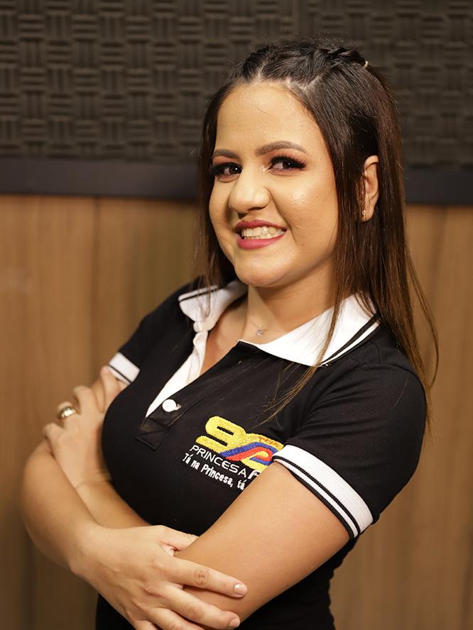 Laura Tanielly - Recepcionista
